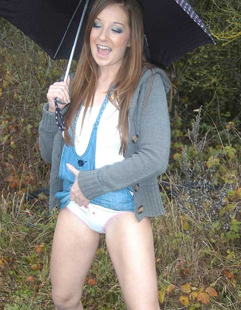 Pissing Her White Knickers Outdoors